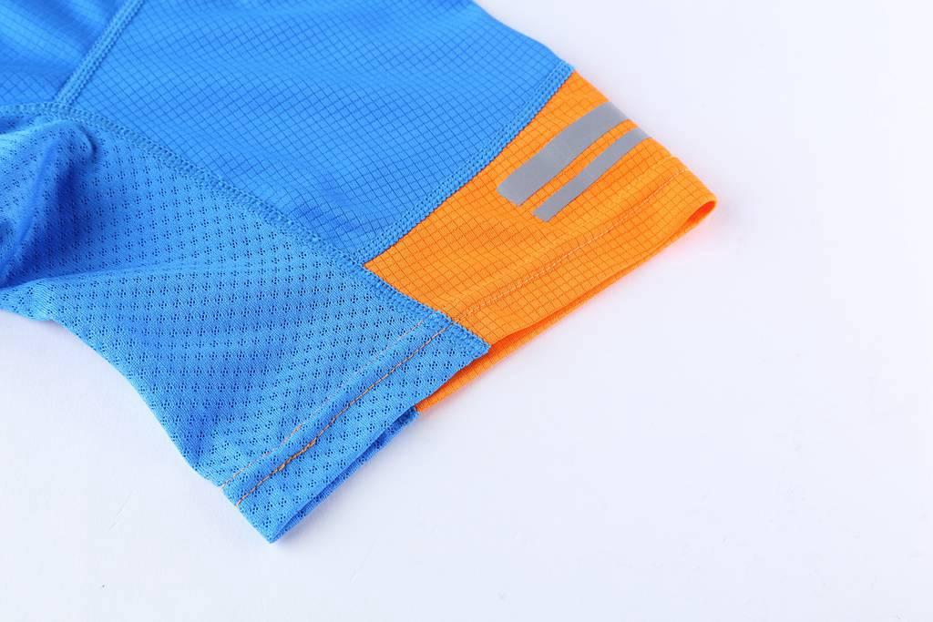 圆领T恤 新款速干T恤3D蓝色细节展示