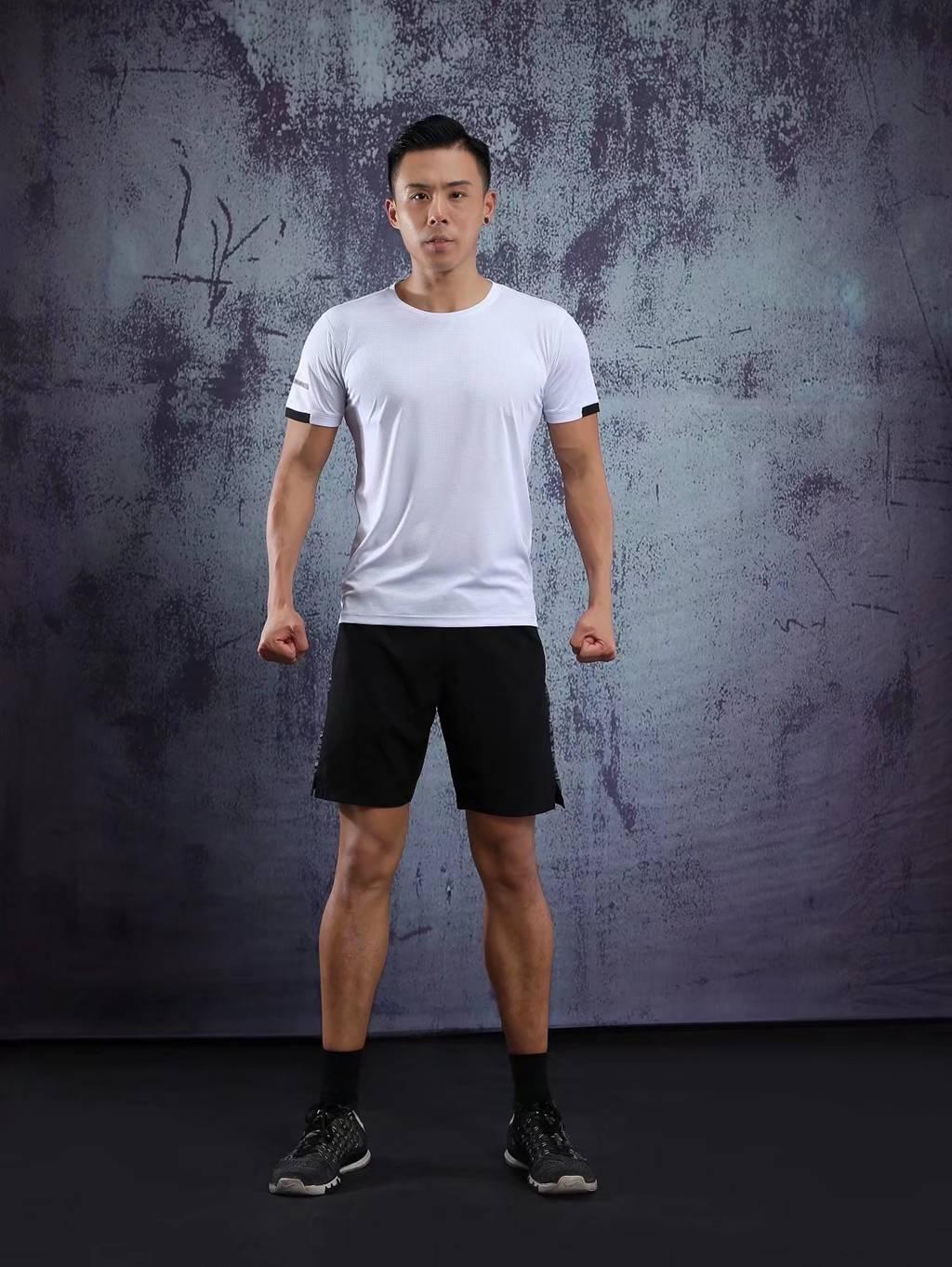 春夏新品 圆领短袖T恤 时尚运动文化衫 白色