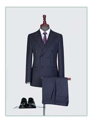 竖条纹西服套装男士三件套商务职业正